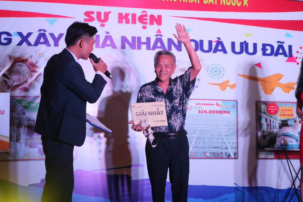 Lộ diện loạt chủ nhân những giải thưởng của chương trình hoạt náo VNMart - Ảnh 3